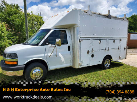 2004 Chevrolet Express Cutaway for sale at H & H Enterprise Auto Sales Inc in Charlotte NC