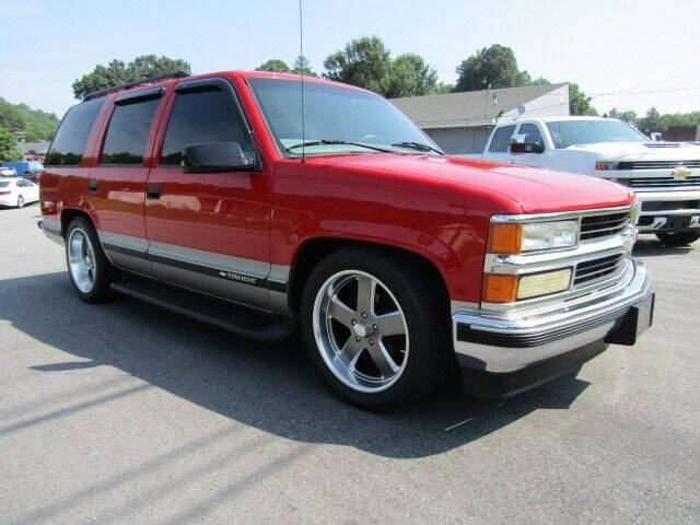 1999 Chevrolet Tahoe for sale at Specialty Car Company in North Wilkesboro NC