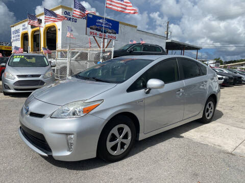 2015 Toyota Prius for sale at INTERNATIONAL AUTO BROKERS INC in Hollywood FL