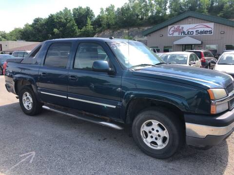 2005 Chevrolet Avalanche for sale at Gilly's Auto Sales in Rochester MN
