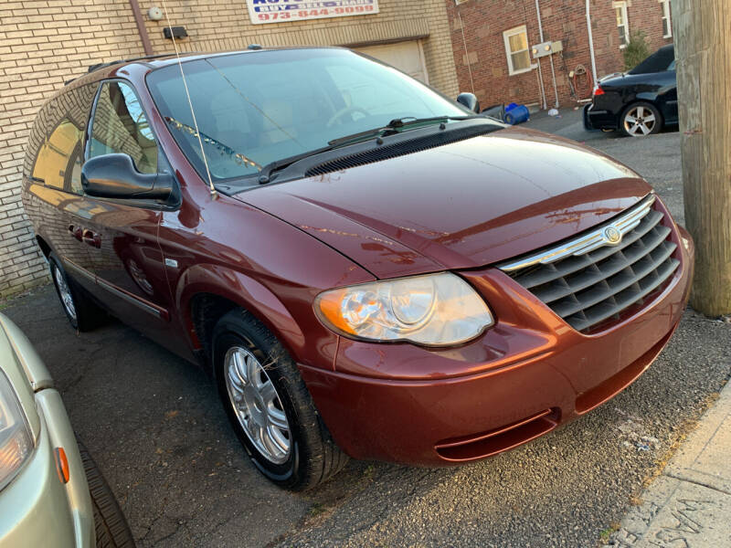 2007 Chrysler Town and Country for sale at Big T's Auto Sales in Belleville NJ