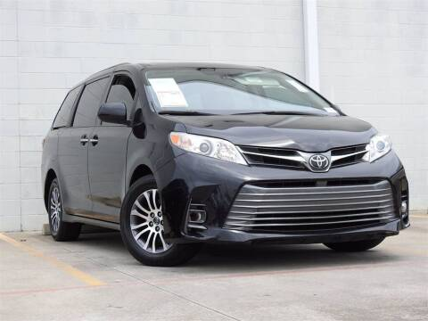 2018 Toyota Sienna for sale at Joe Myers Toyota PreOwned in Houston TX