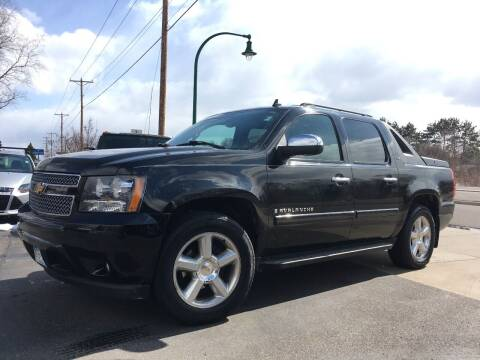 2008 Chevrolet Avalanche for sale at Premier Motors LLC in Crystal MN