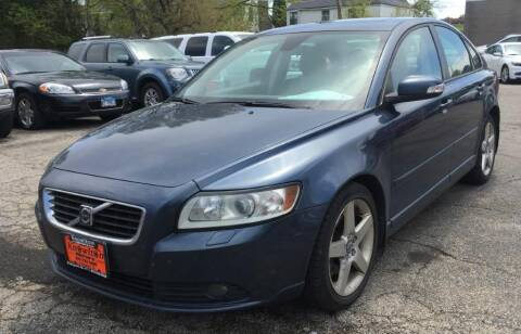 2008 Volvo S40 for sale at Knowlton Motors, Inc. in Freeport IL