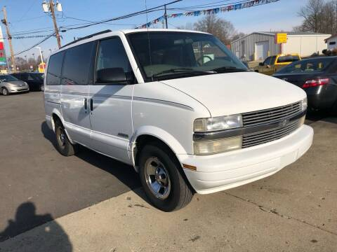 1999 Chevrolet Astro for sale at Wise Investments Auto Sales in Sellersburg IN