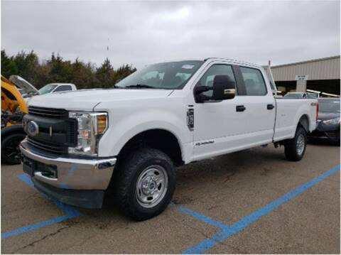 2018 Ford F-250 Super Duty for sale at CENTURY TRUCKS & VANS in Grand Prairie TX