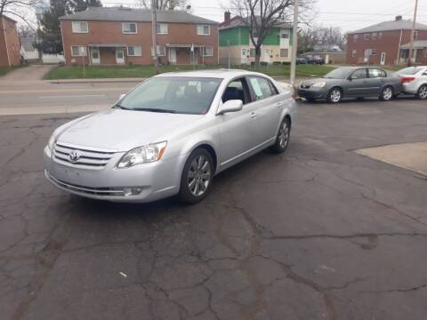 2005 Toyota Avalon for sale at Flag Motors in Columbus OH