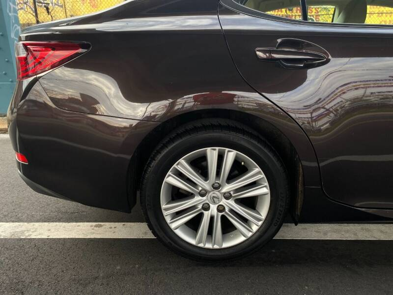 2013 Lexus ES 350 4dr Sedan - Philladelphia PA