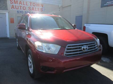 2010 Toyota Highlander for sale at Small Town Auto Sales in Hazleton PA