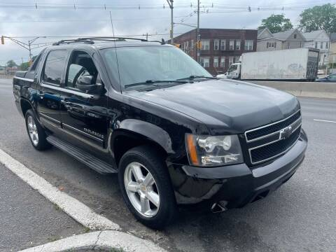 2010 Chevrolet Avalanche for sale at G1 AUTO SALES II in Elizabeth NJ