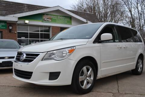 2011 Volkswagen Routan for sale at RODRIGUEZ MOTORS LLC in Fredericksburg VA