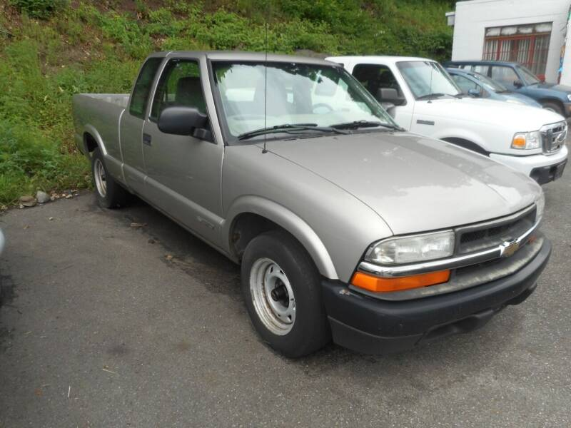 2002 Chevrolet S-10 for sale at Ricciardi Auto Sales in Waterbury CT