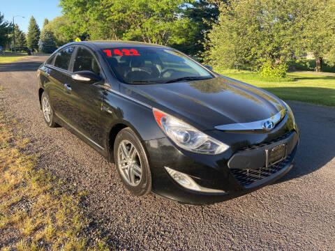 2012 Hyundai Sonata Hybrid for sale at BELOW BOOK AUTO SALES in Idaho Falls ID