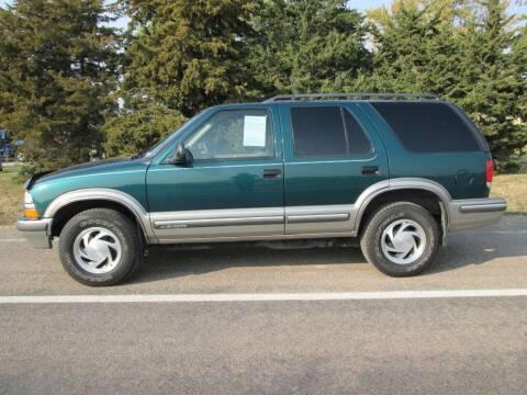 1998 Chevrolet Blazer for sale at Joe's Motor Company in Hazard NE