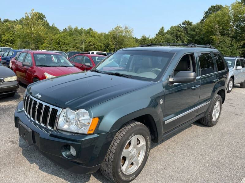 2005 Jeep Grand Cherokee for sale at Best Buy Auto Sales in Murphysboro IL