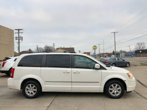 2010 Chrysler Town and Country for sale at MLD Motorwerks Pre-Owned Auto Sales - MLD Motorwerks, LLC in Eastpointe MI