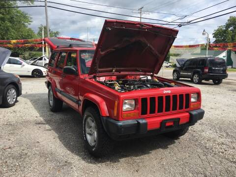 1999 Jeep Cherokee for sale at Antique Motors in Plymouth IN