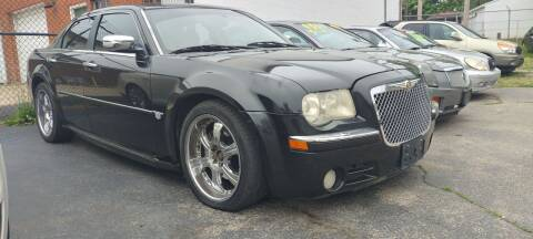 2006 Chrysler 300 for sale at Double Take Auto Sales LLC in Dayton OH