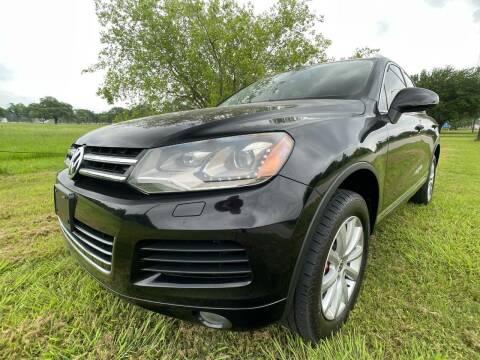 2011 Volkswagen Touareg for sale at Carz Of Texas Auto Sales in San Antonio TX