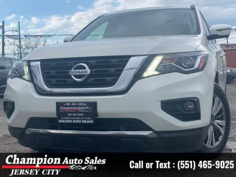 2019 Nissan Pathfinder for sale at CHAMPION AUTO SALES OF JERSEY CITY in Jersey City NJ