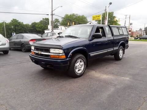 2001 Chevrolet S-10 for sale at Sarchione INC in Alliance OH