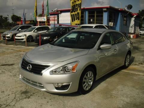 2015 Nissan Altima for sale at SUPERAUTO AUTO SALES INC in Hialeah FL