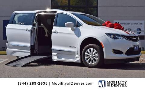 2019 Chrysler Pacifica for sale at CO Fleet & Mobility in Denver CO