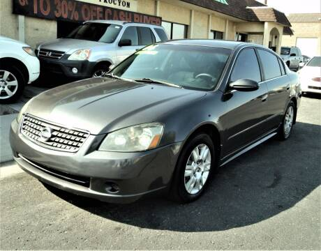 2006 Nissan Altima for sale at DESERT AUTO TRADER in Las Vegas NV