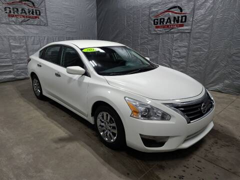 2015 Nissan Altima for sale at GRAND AUTO SALES in Grand Island NE