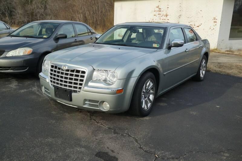 2005 Chrysler 300 for sale at Herman's Motor Sales Inc in Hurt VA