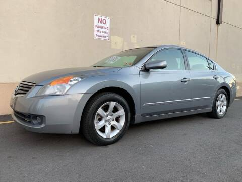 2007 Nissan Altima for sale at International Auto Sales in Hasbrouck Heights NJ
