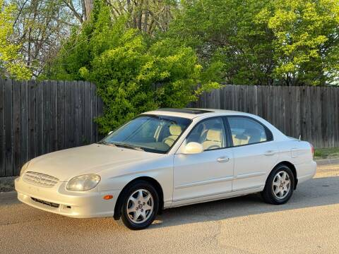 2000 Hyundai Sonata for sale at THELOT AUTO SALES LLC. in Lawrence KS