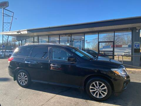2014 Nissan Pathfinder for sale at Smart Buy Car Sales in St. Louis MO