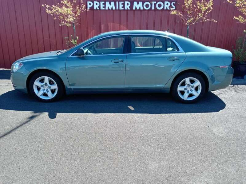 2009 Chevrolet Malibu for sale at PREMIERMOTORS  INC. in Milton Freewater OR
