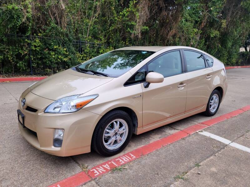 2011 Toyota Prius for sale at DFW Autohaus in Dallas TX