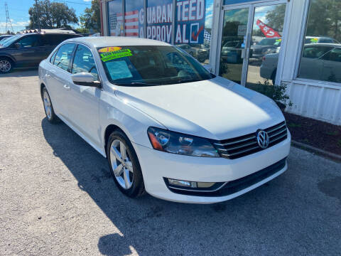 2015 Volkswagen Passat for sale at Lee Auto Group Tampa in Tampa FL