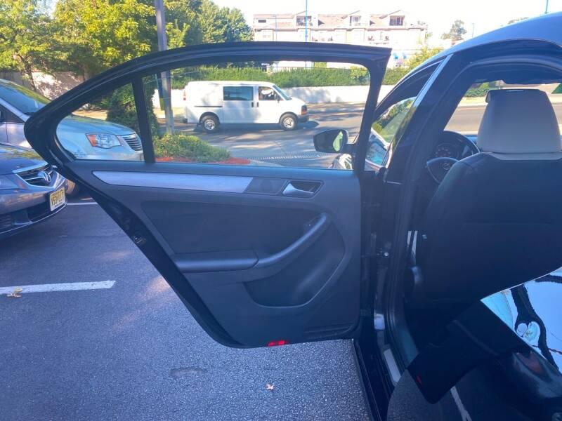 2016 Volkswagen Jetta 1.8T Sport PZEV 4dr Sedan 6A - Elizabeth NJ