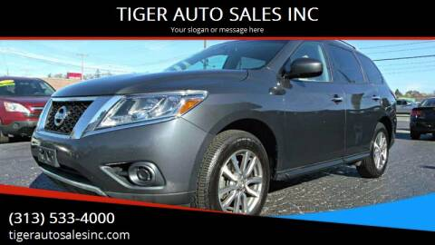 2013 Nissan Pathfinder for sale at TIGER AUTO SALES INC in Redford MI