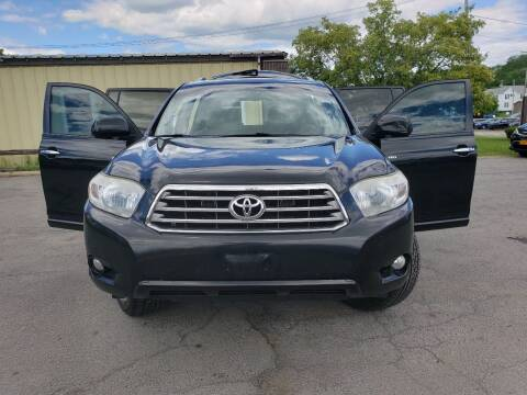 2010 Toyota Highlander for sale at GLOVECARS.COM LLC in Johnstown NY