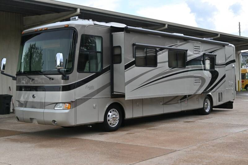 2007 Monaco Knight 40DFT for sale at Thurston Auto and RV Sales in Clermont FL