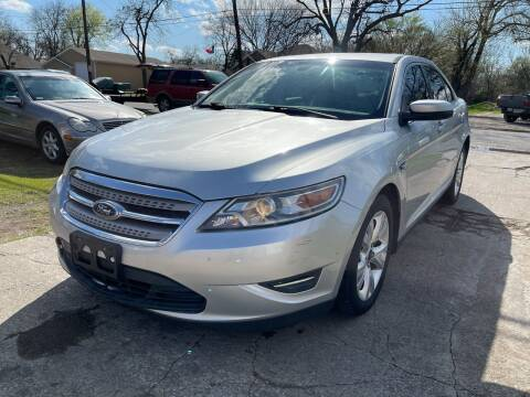 2010 Ford Taurus for sale at Texas Select Autos LLC in Mckinney TX