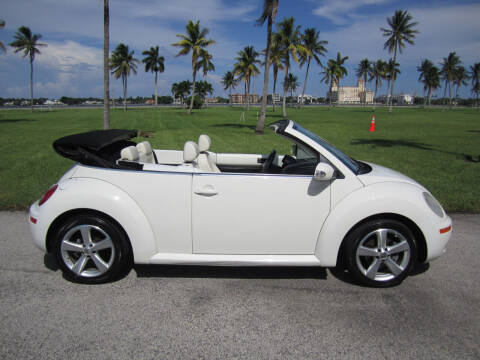 2007 Volkswagen New Beetle Convertible for sale at FLORIDACARSTOGO in West Palm Beach FL