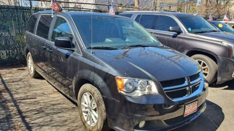 2018 Dodge Grand Caravan for sale at Buy Here Pay Here Auto Sales in Newark NJ