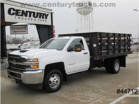 2018 Chevrolet Silverado 3500HD CC for sale at CENTURY TRUCKS & VANS in Grand Prairie TX