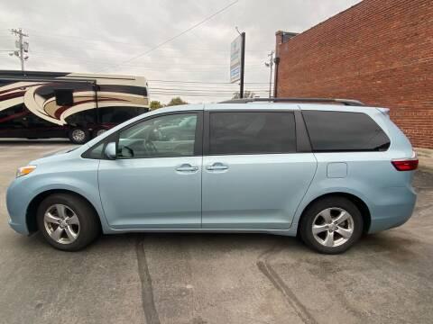 2017 Toyota Sienna for sale at Blue Bird Motors in Crossville TN