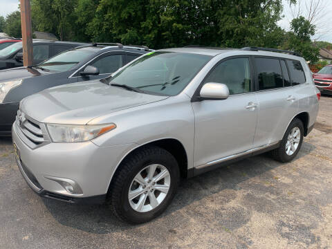 2012 Toyota Highlander for sale at PAPERLAND MOTORS - Fresh Inventory in Green Bay WI