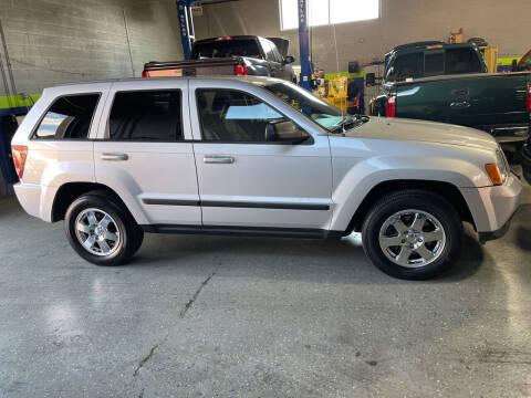 2008 Jeep Grand Cherokee for sale at All In Auto Inc in Addison IL