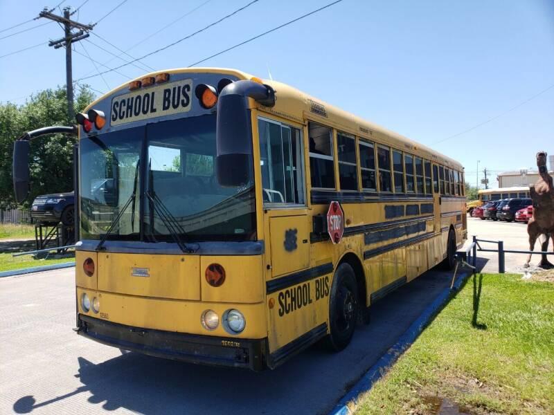 2004 Thomas Built Buses HDX