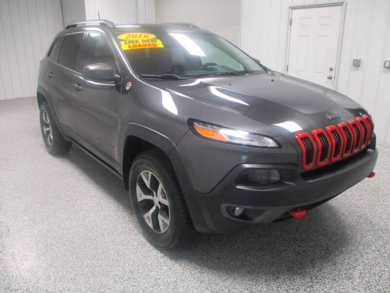 2016 Jeep Cherokee for sale at LaFleur Auto Sales in North Sioux City SD