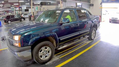 2005 Chevrolet Avalanche for sale at Kansas Car Finder in Valley Falls KS